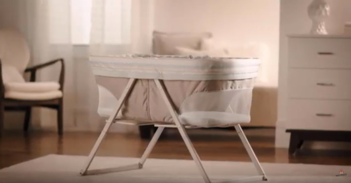 Best Baby Bassinet For Breastfeeding & Preemies To Buy In 2020